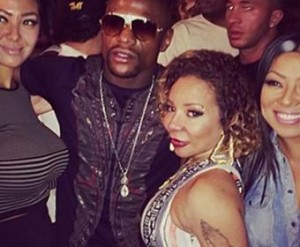Floyd Mayweather Takes A Jab At T.I., Reportedly Claims He Had Sex With Tiny (VIDEO)